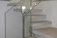 Parapetto scala in acciaio e vetro -Bologna