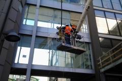Montaggio con ventosa vetri stratificati  - Bologna